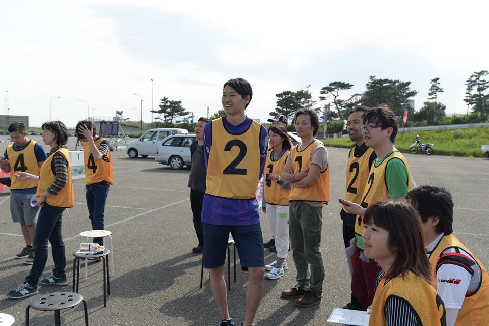 Ke-CUPのレースを見守る参加者