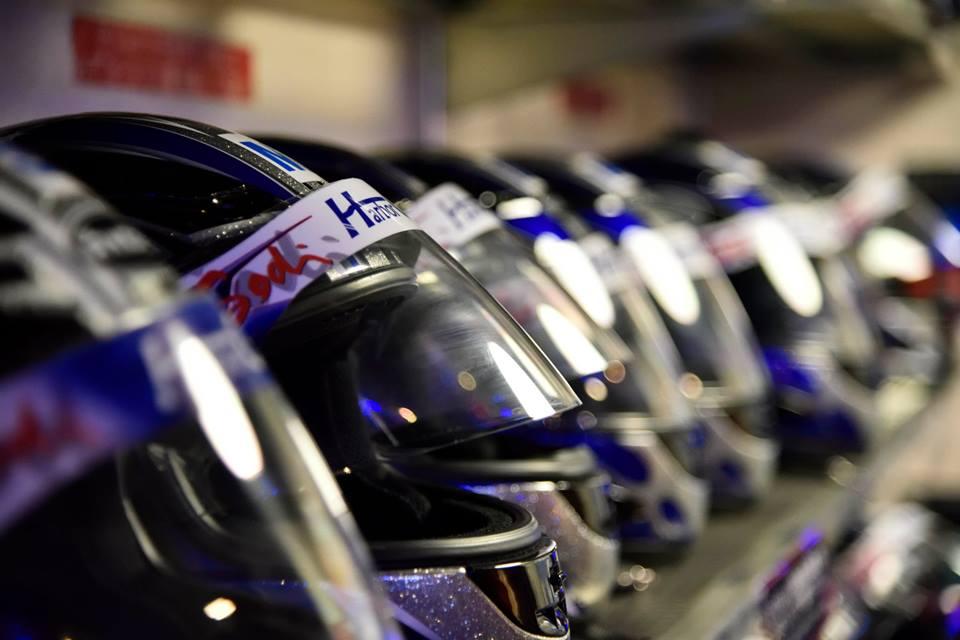 ハーバーサーキットの綺麗なレンタルヘルメット