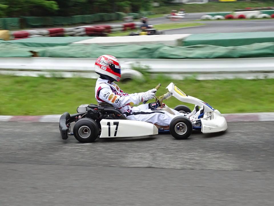 大井松田レンタルフェスタのファミ耐シリーズの決勝レース走行中のコジコジ選手。