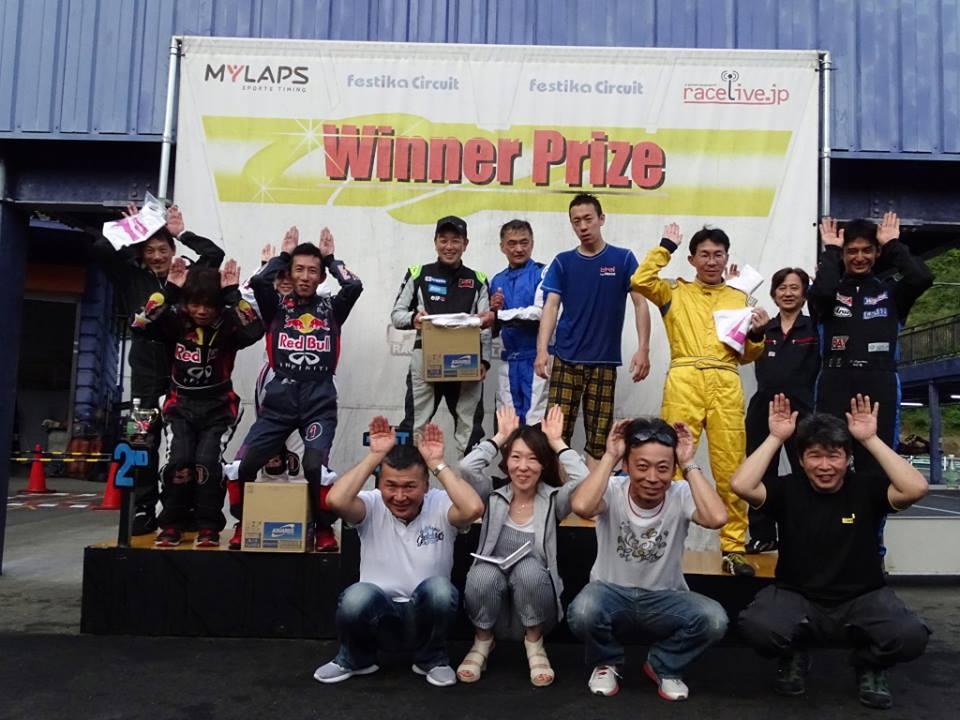 フェスティカサーキット栃木で開催されたFECの最後は記念写真