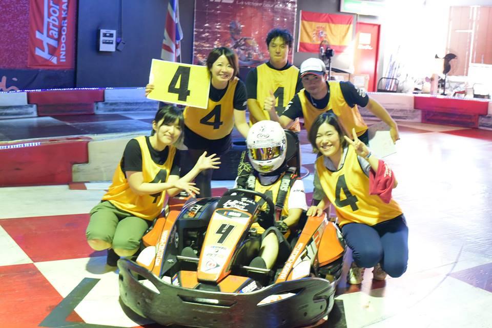 ハーバーサーキットにて行われたKe-CUPの決勝スタート前のチームみんな