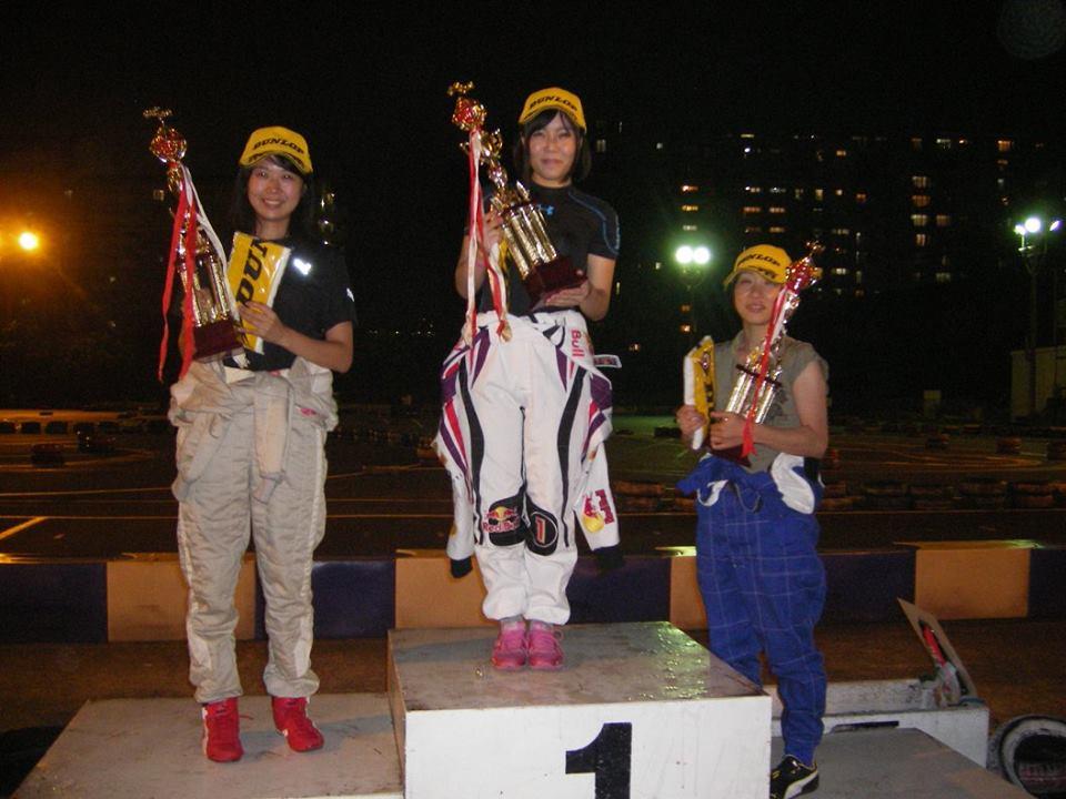 CITYKART CUPのレディースクラスの表彰式