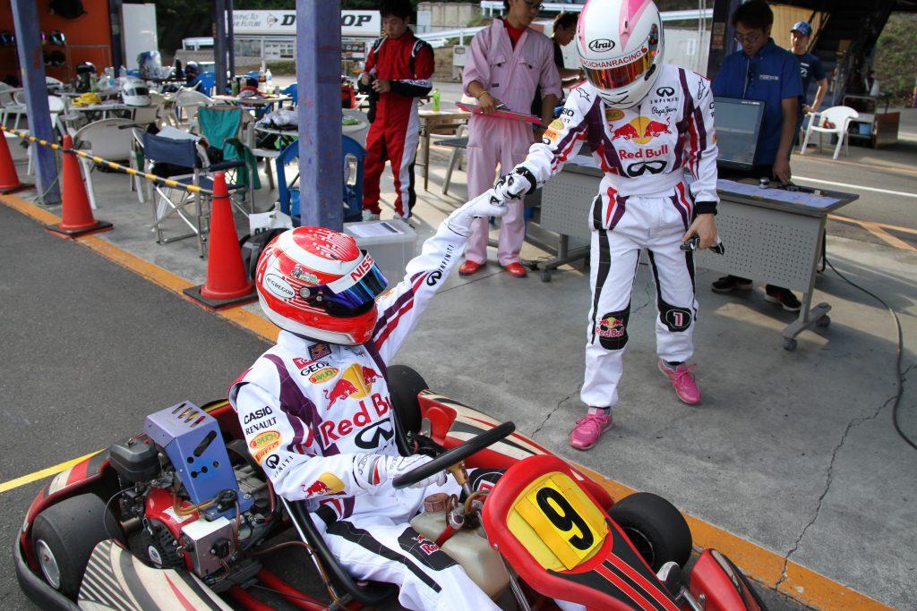 フェスティカサーキット栃木で開催されたGreenBrave耐久の決勝レースでのドライバー交代
