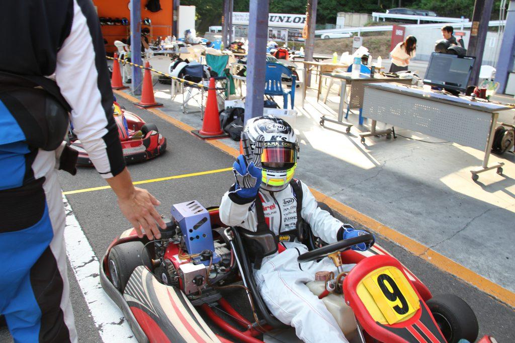 フェスティカサーキット栃木で開催されたGreenBrave耐久の決勝レースを終えたてるてるさん