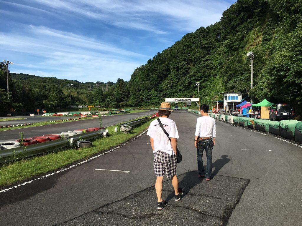大井松田チャレンジカップの朝にコースを下見