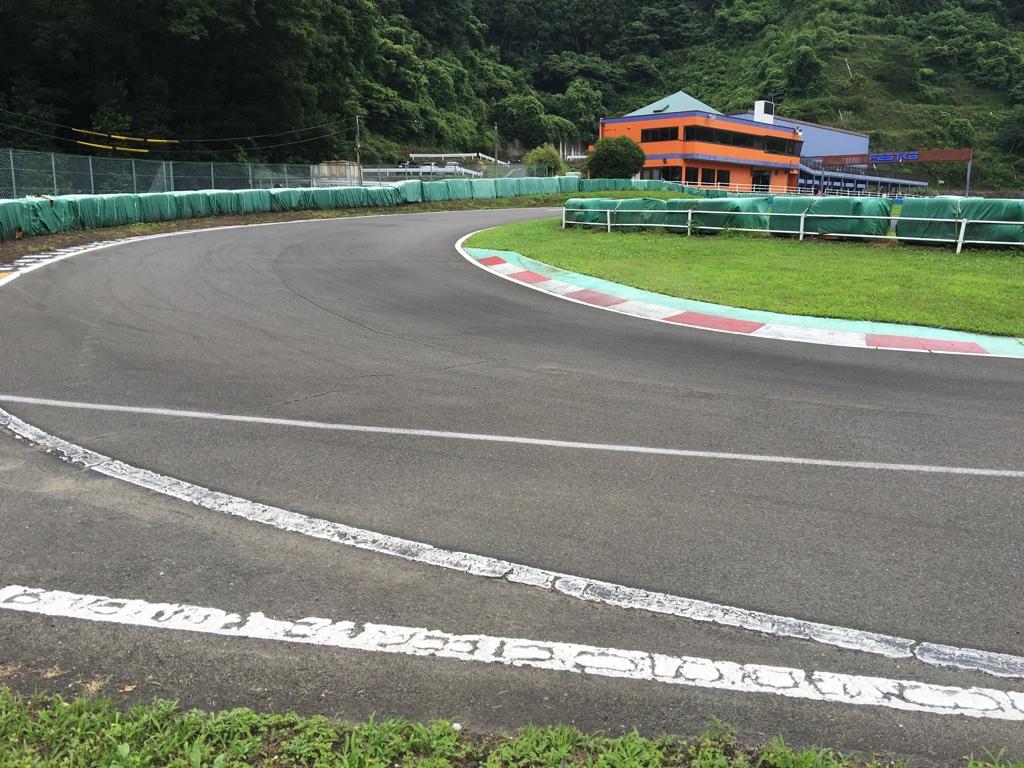 フェスティカサーキット栃木の最終コーナー