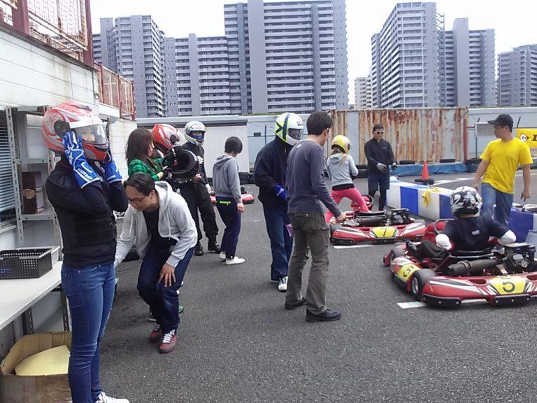 波泡穴プレゼンツ初心者カート大会の決勝中ドライバー交代