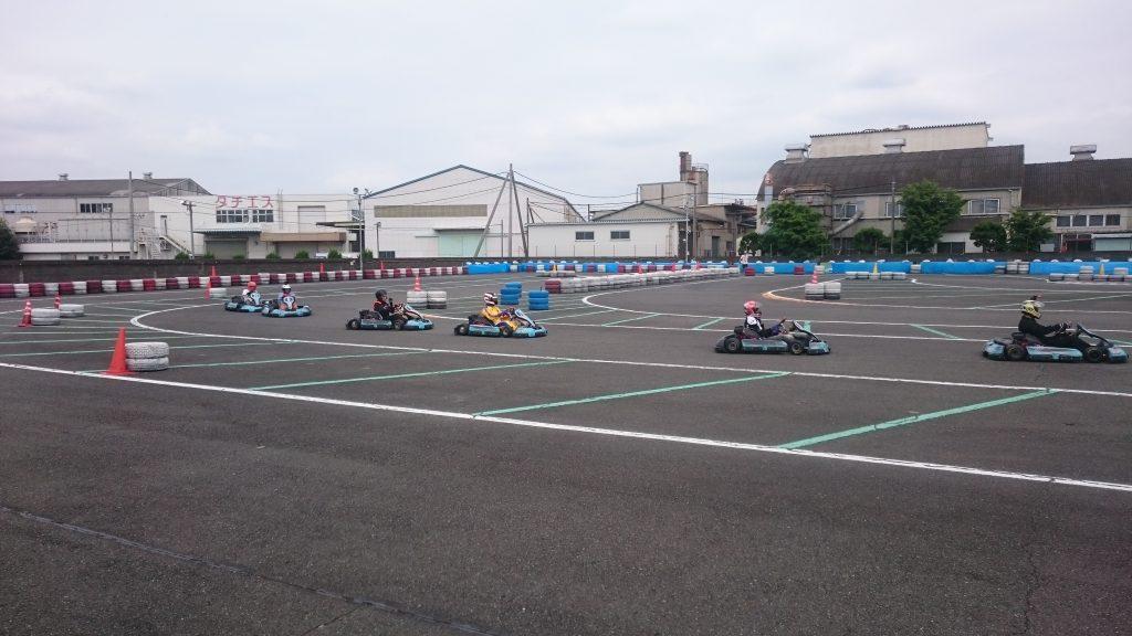 F.ドリーム平塚のフレンドリー耐久の決勝レース中の様子
