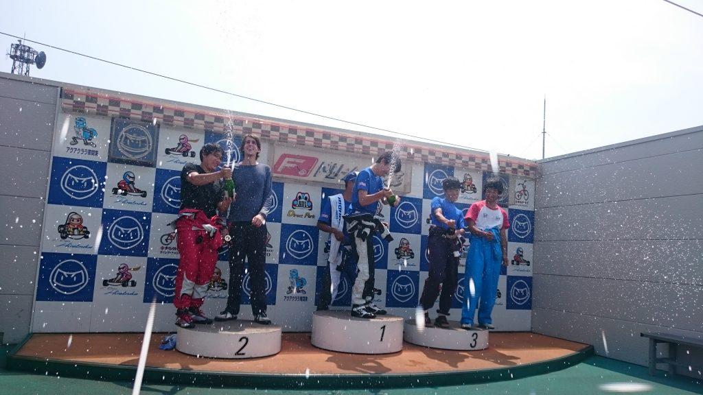 F.ドリーム平塚のフレンドリー耐久の決勝レースの表彰式