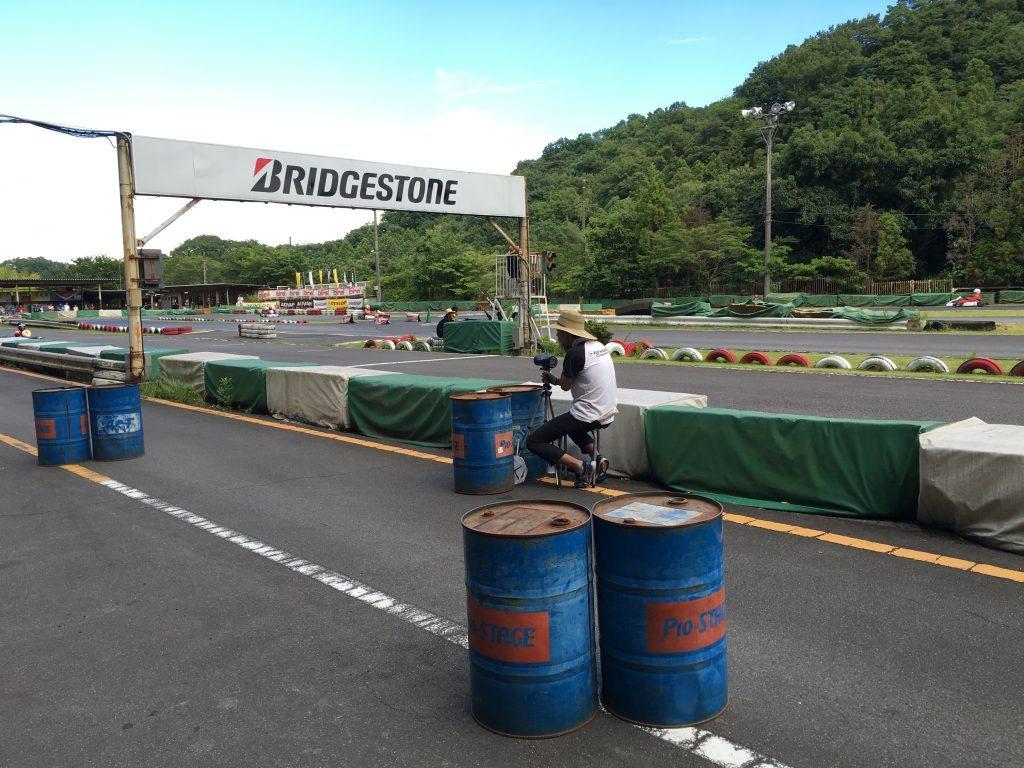 大井松田レンタルフェスタのピットレーンでのスピード測定