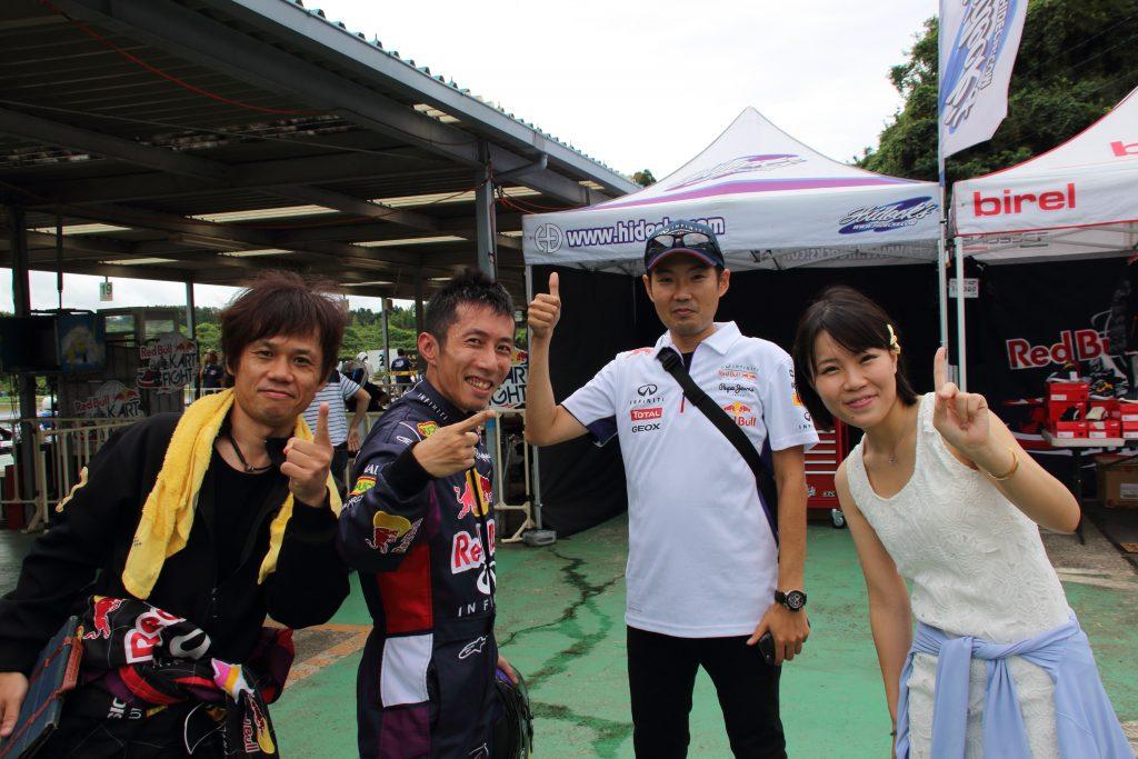 RBKF二次予選予選ヒート後にうさぎちゃんレーシングで記念写真