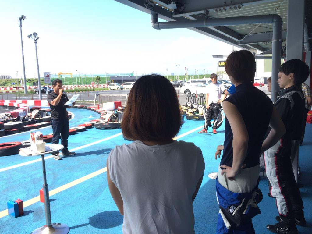 木更津サーキとのスプリントレースでのドライバーズミーティング