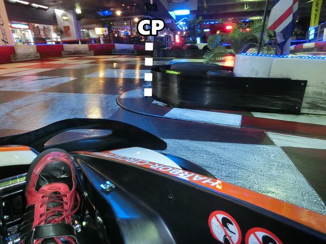 ハーバーサーキットの最終コーナーのクリッピングポイント