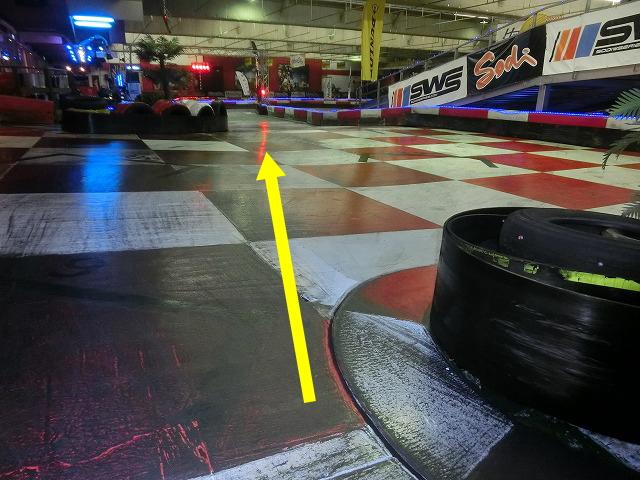 ハーバーサーキットの最終コーナーからの立ち上がりライン