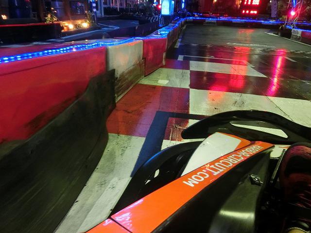 ハーバーサーキットの1コーナーの手前