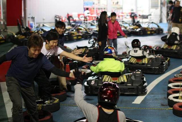 Sodi木更津CUP耐久レース第9戦でハイタッチ
