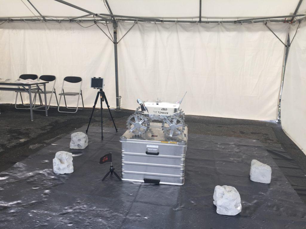 東京モーターフェス2016でのロボット