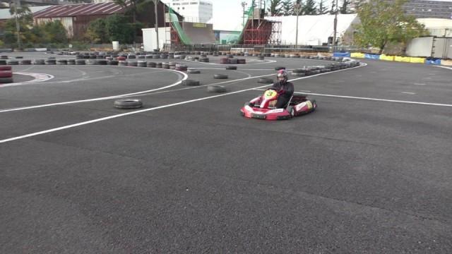 シティーカートで白線から完全停車までの練習の谷古宇
